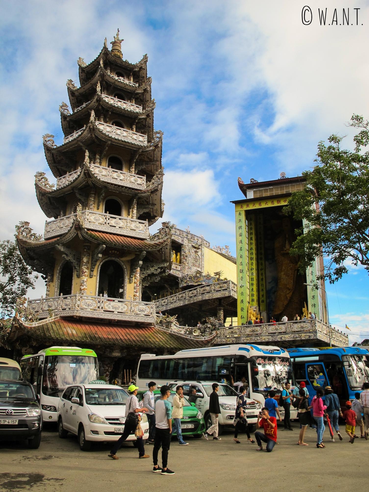 La pagode Linh Phuoc est une attraction touristique majeure de Da Lat
