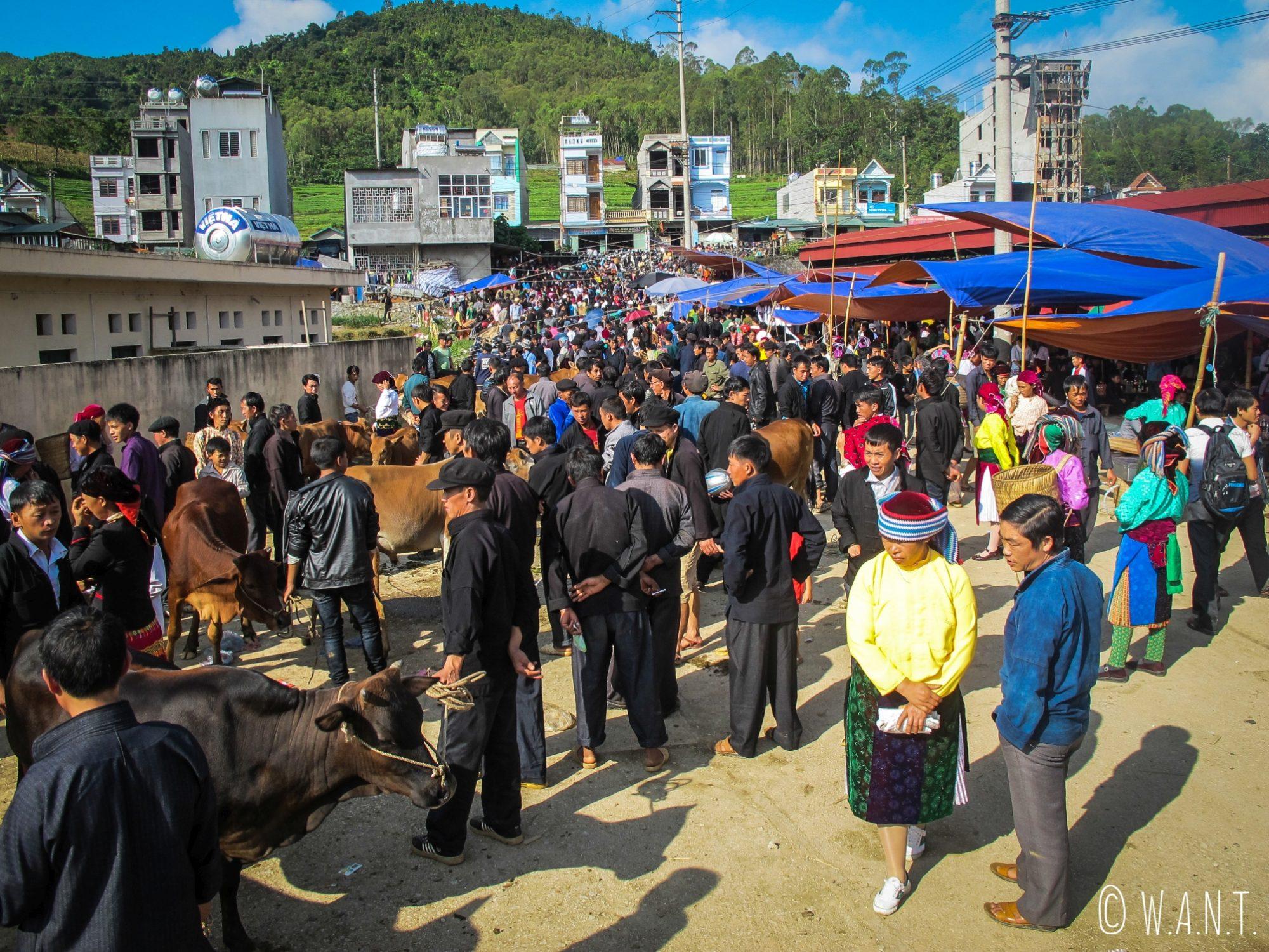 Le marché de Dong Van a lieu tous les dimanches