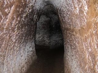 Les tunnels de Vinh Moc dans la DMZ sont très étroits
