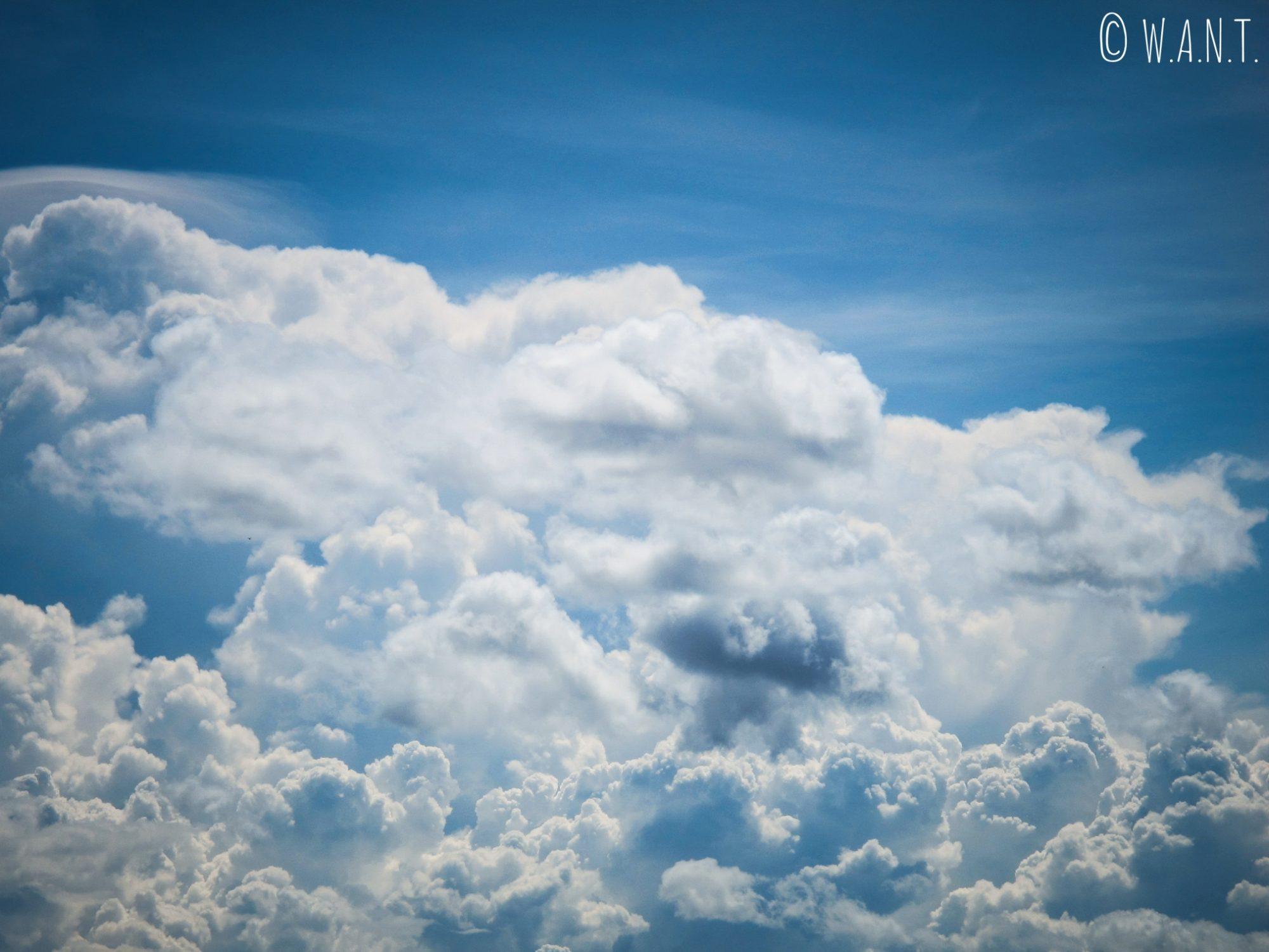 Nuages dans le ciel de Tam Coc
