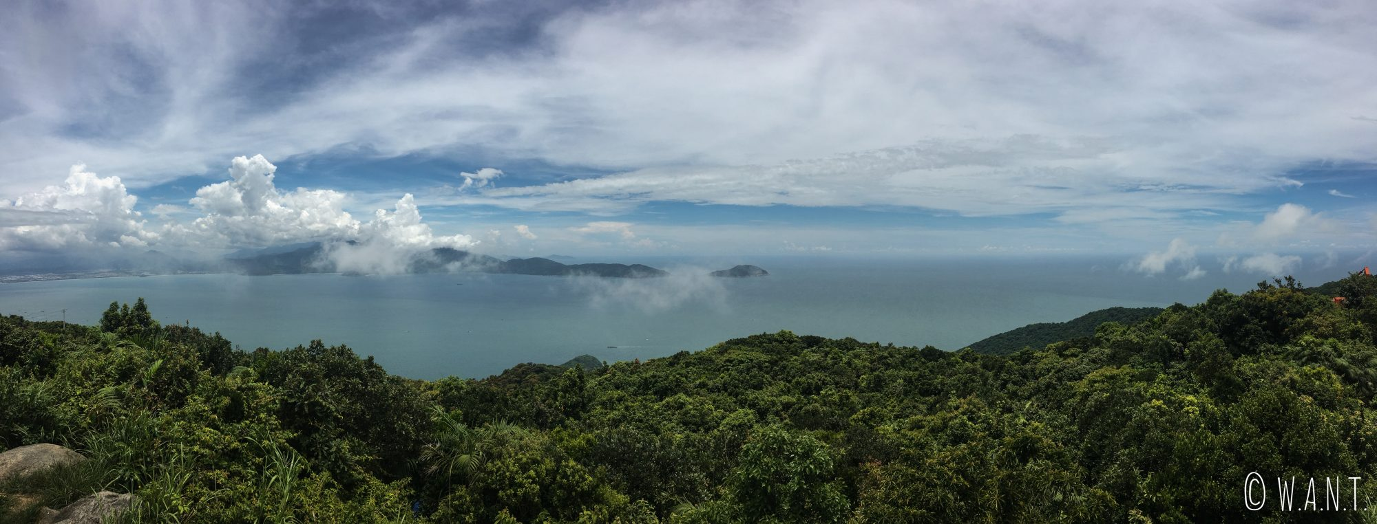 Panorama depuis la face nord de la presqu'île de Son Tra à Da Nang