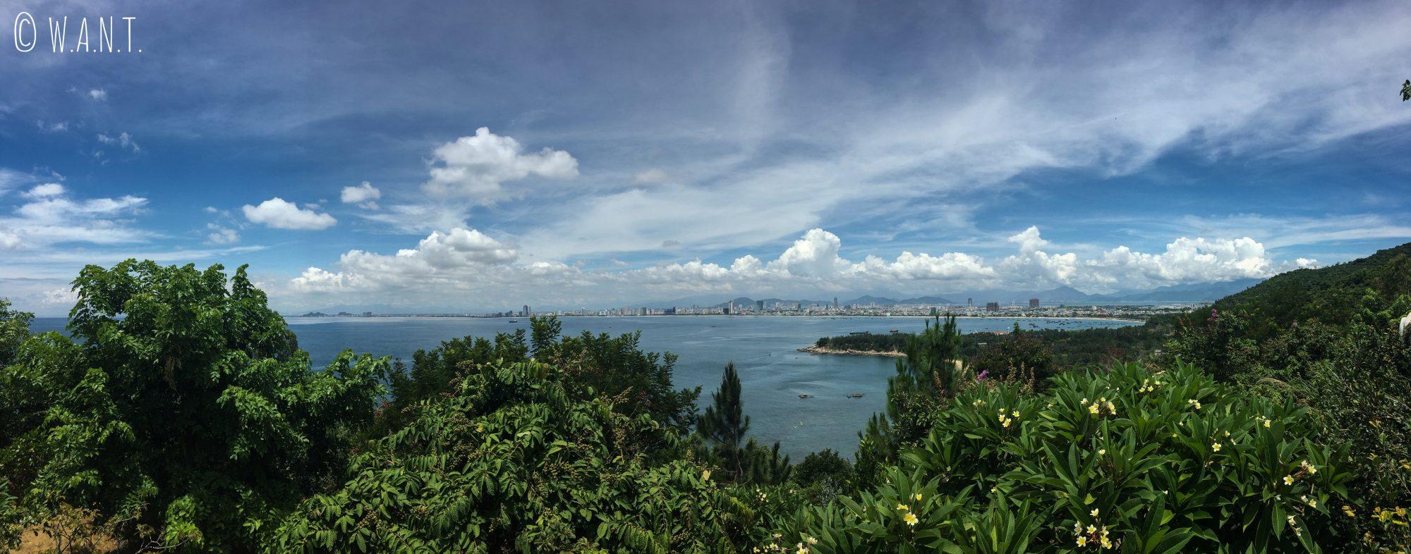 Panorama sur la ville de Da Nang depuis la pagode Linh Ung