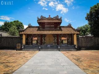 Porte du Mausolée de Minh Mang à Hué