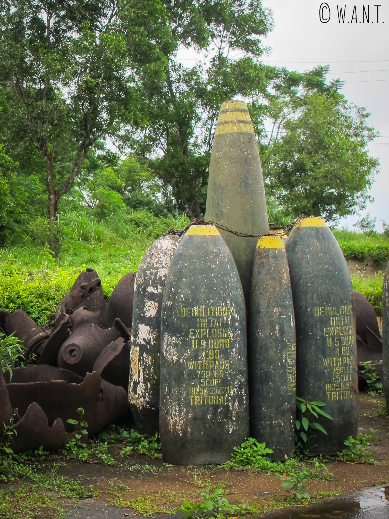 Restes de bombes exposés à l'ancienne base américaine de Khe Sanh
