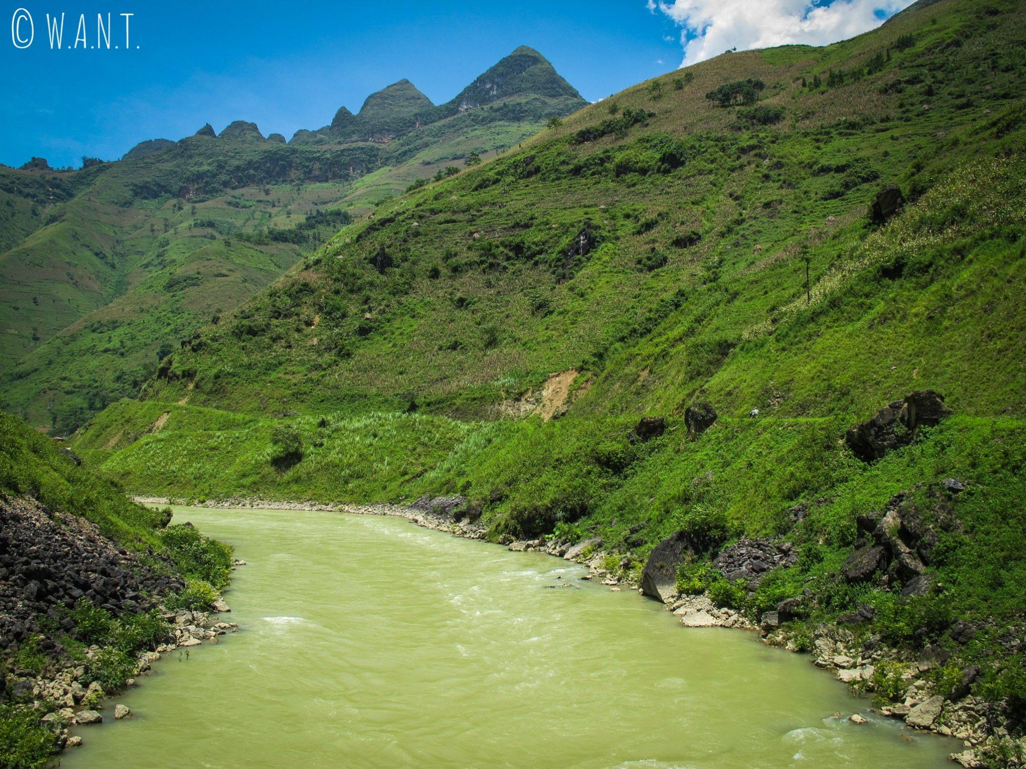 Rivière Nho Que sur la route du village de Xin Cai