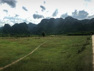 Route de Phong Nha où notre scooter a décidé de ne plus démarrer