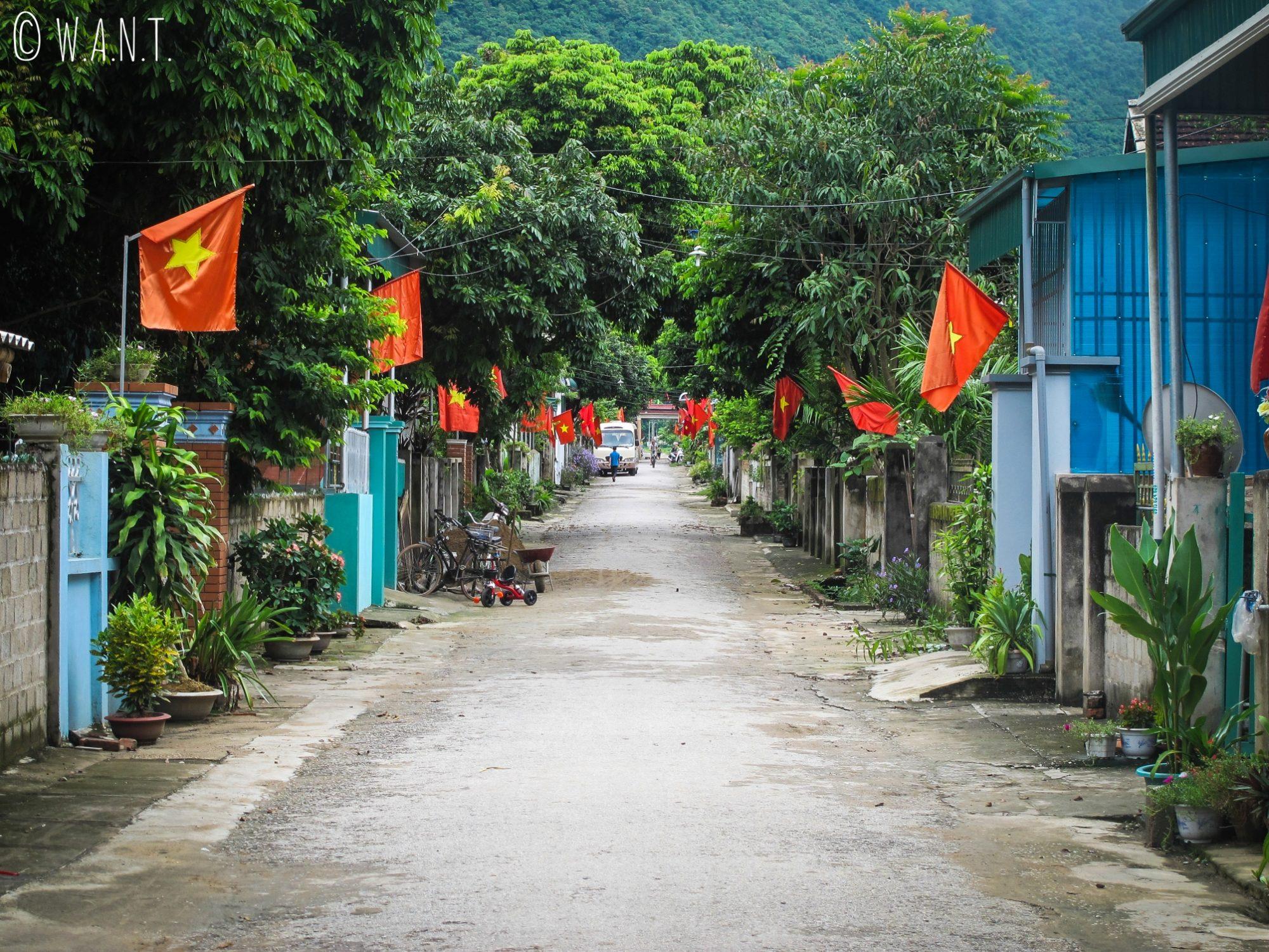 Rue du villlage de Mai Chau