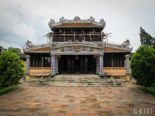 Temple en reconstruction dans la Citadelle de Hué