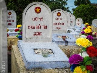 Tombes du cimetière militaire Doc Lieu dans la DMZ