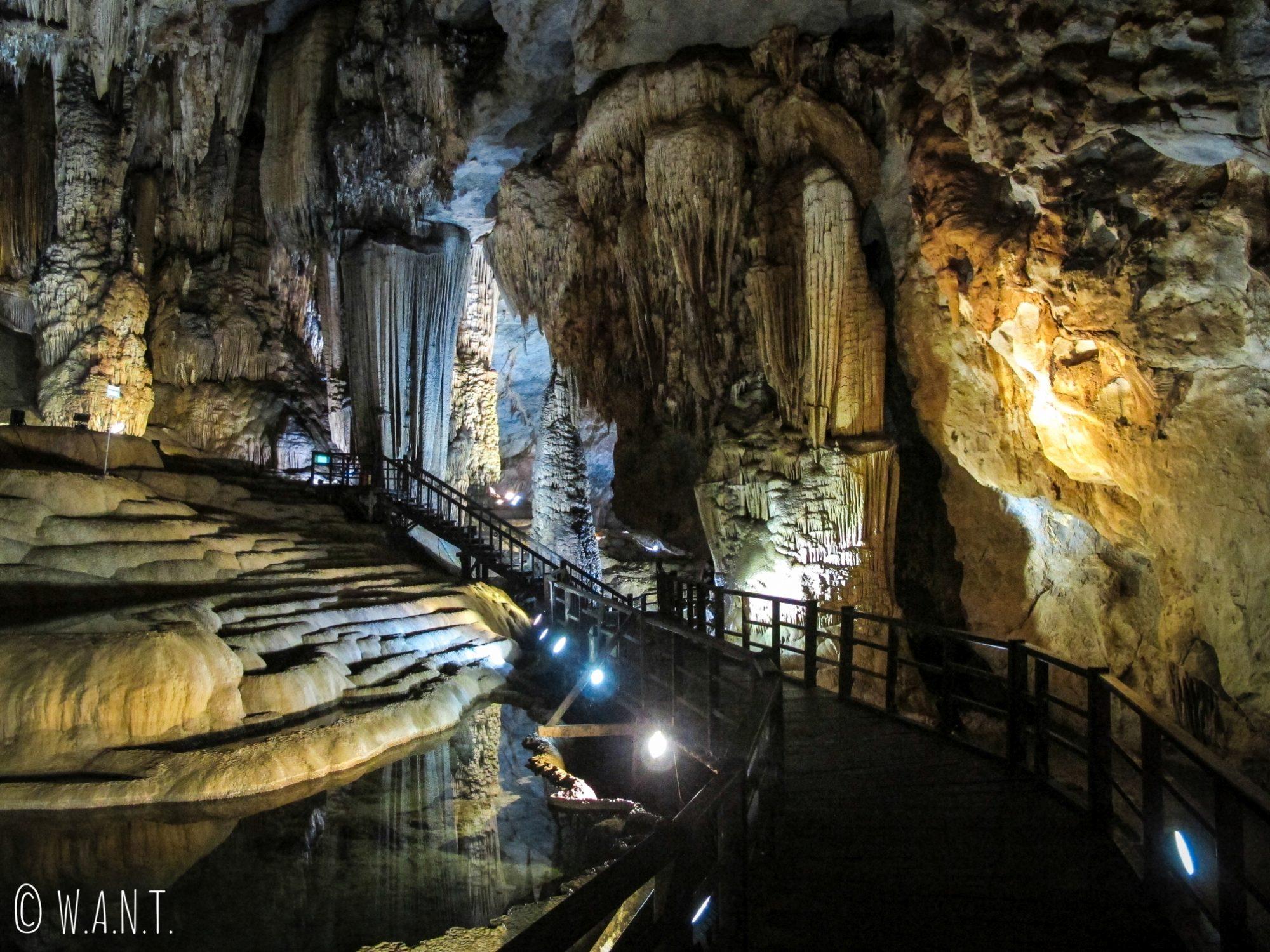 Un kilomètre de galerie est ouverte au public dans la Paradise Cave de Phong Nha