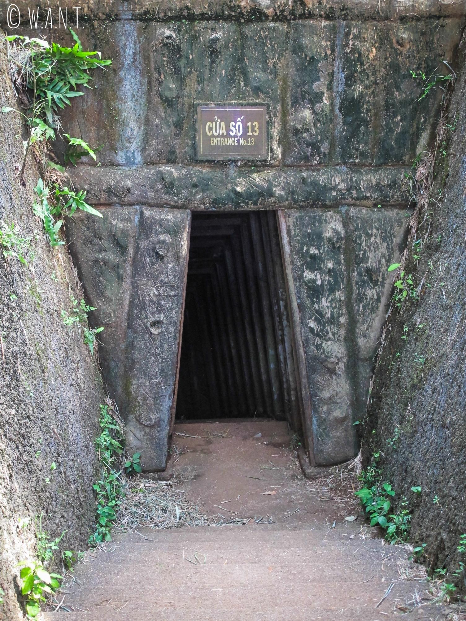 Une des entrées des tunnels de Vinh Moc dans la DMZ
