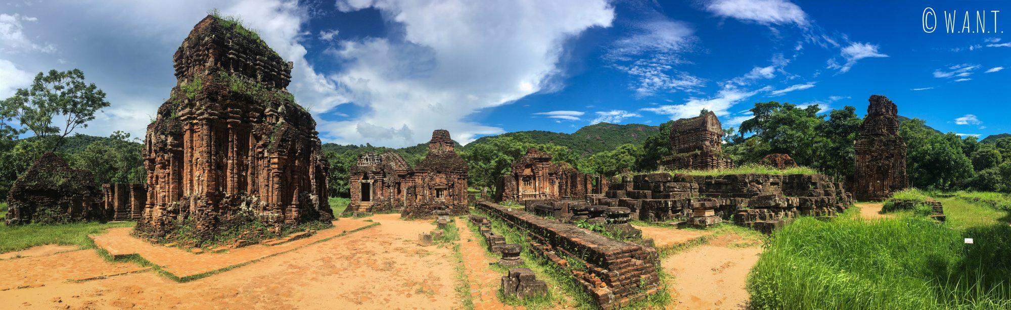 Vue panoramique sur les ruines de My Son