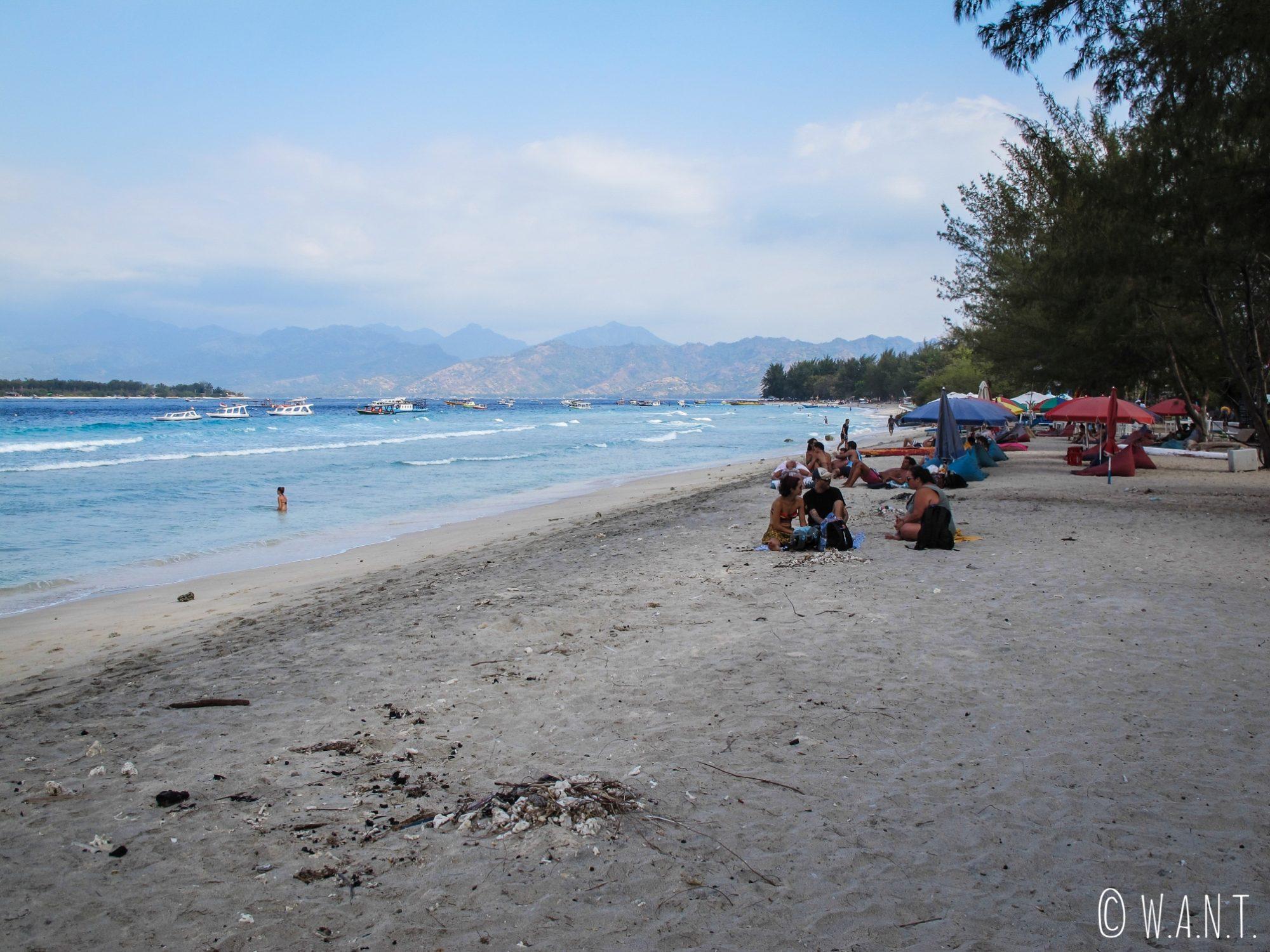 2017 - Plan large de la plage à la sortie du village de Gili Trawangan