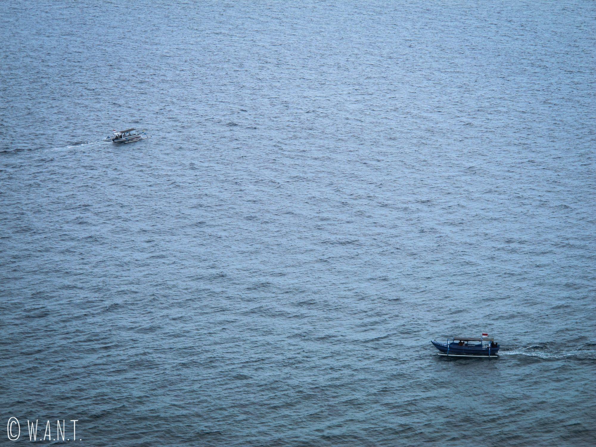 Bateaux de pêcheurs à Senggigi sur l'île de Lombok