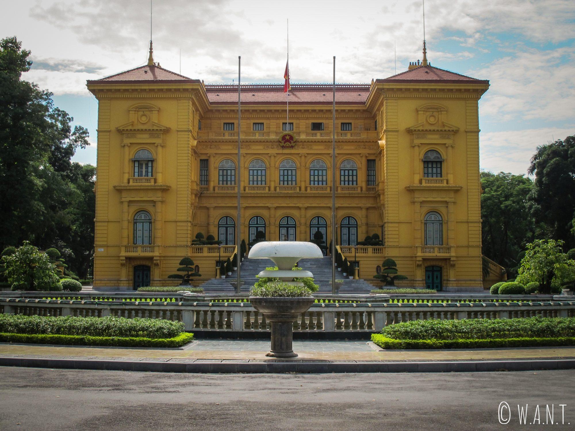 Façade du Palais présidentiel à Hanoï