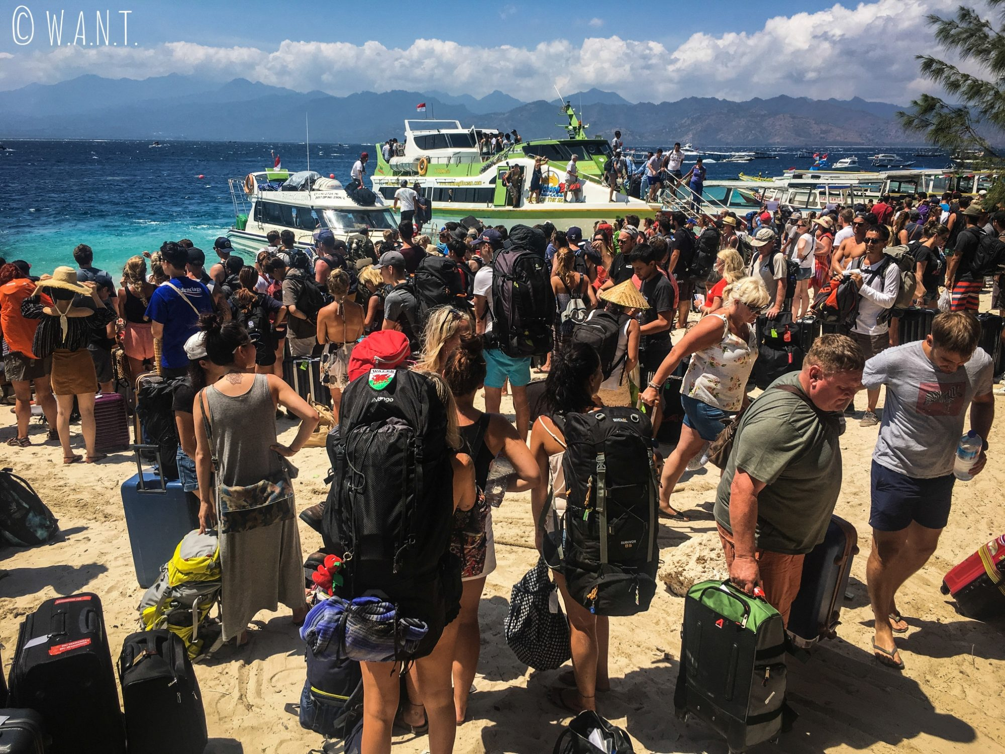 Foule à l'embarcadère des speedboats sur Gili Trawagan