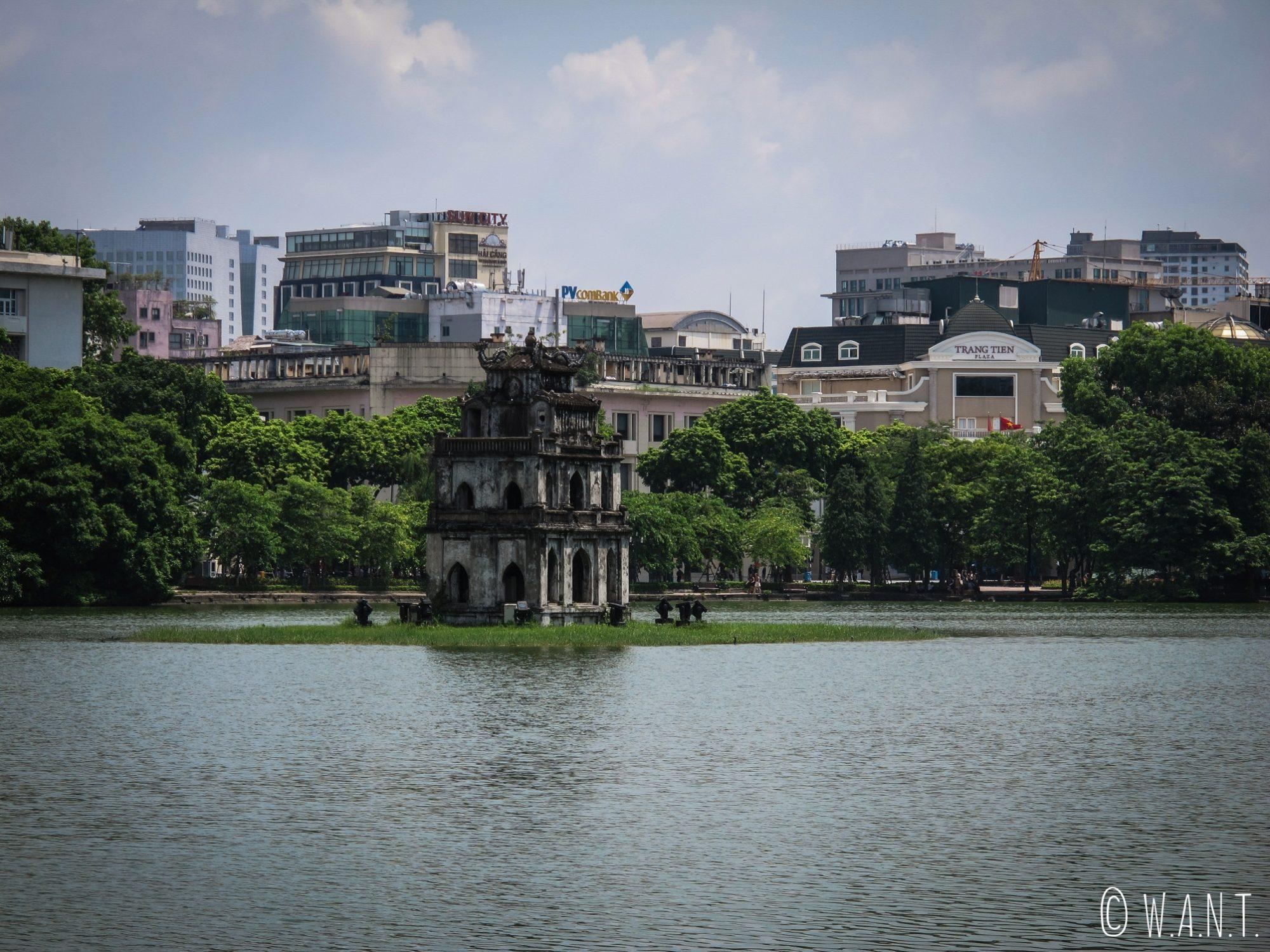 Le lac Hoan Kiem est le cœur du centre-ville de Hanoï