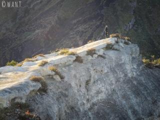 Marion au bord du cratère du Kawah Ijen