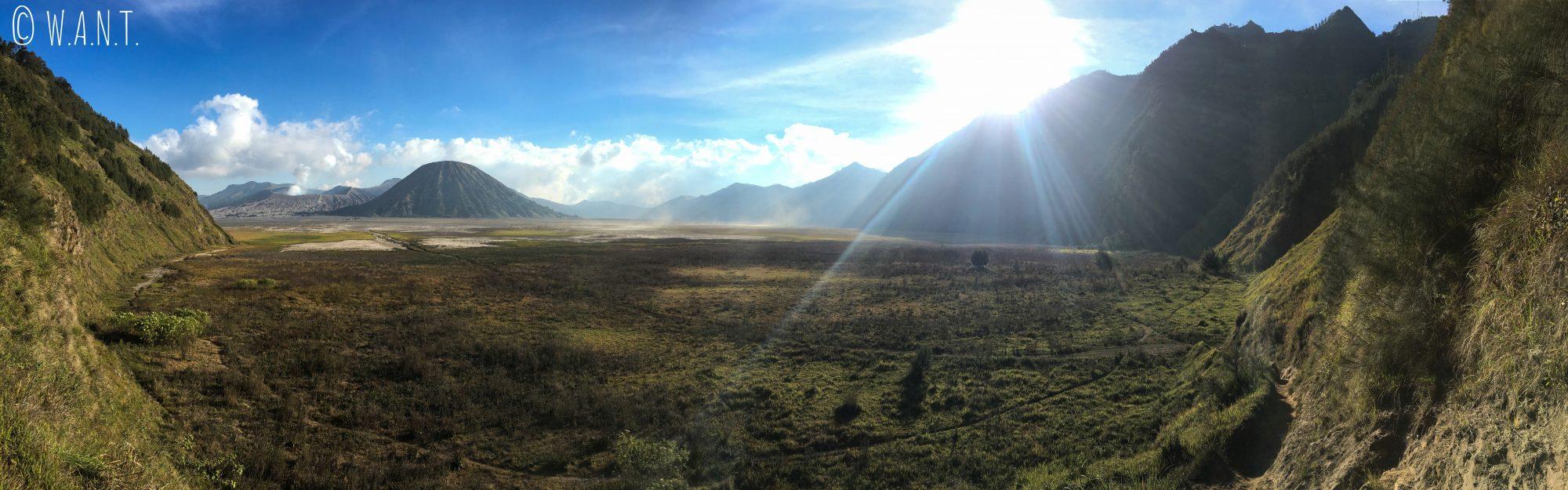 Panorama depuis le chemin des poireaux sur le Bromo en fin de journée