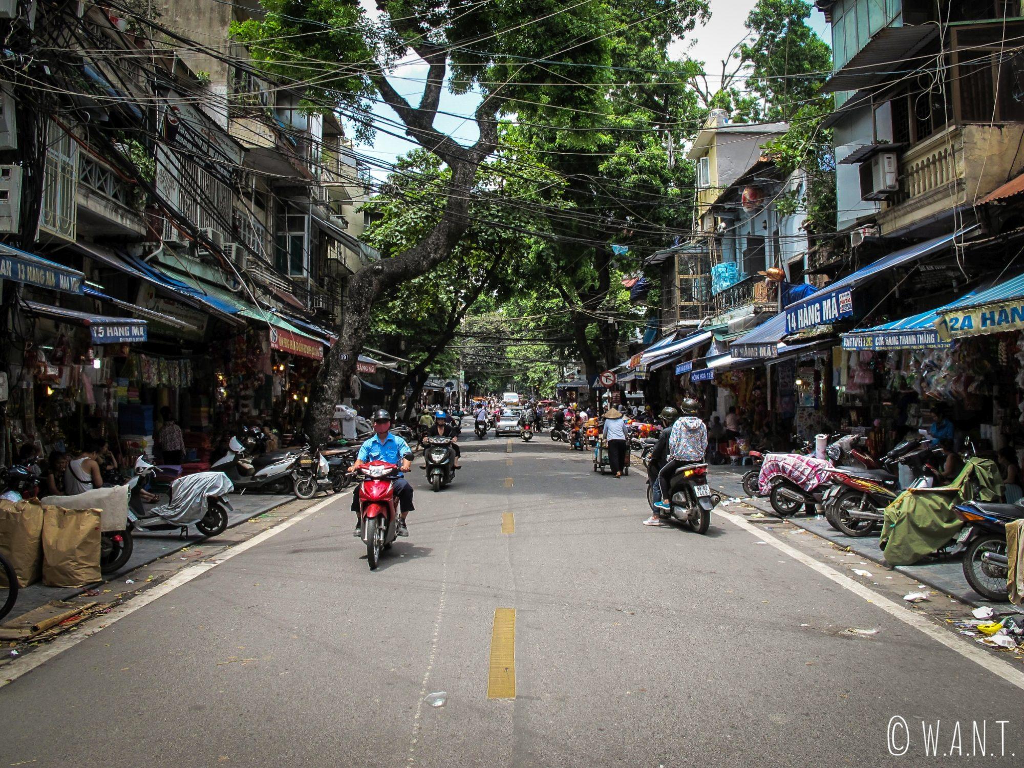 Rue de la vieille ville de Hanoï