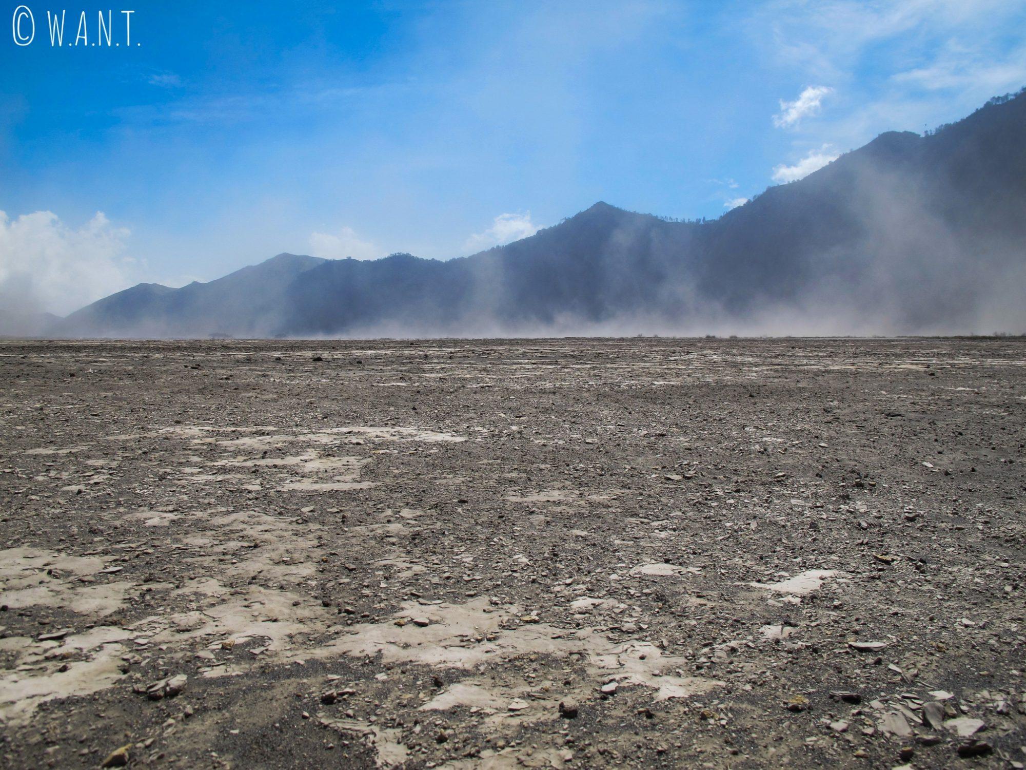Tempête de poussière au cœur de la caldeira du Bromo