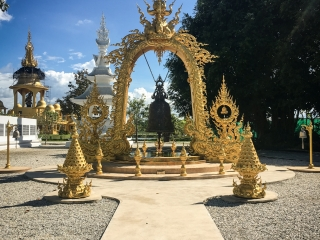 Cloche au White Temple de Chiang Rai