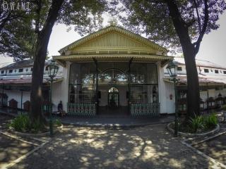 Façade d'une aile du Palais du Sultan de Yogyakarta, reconvertie en musée