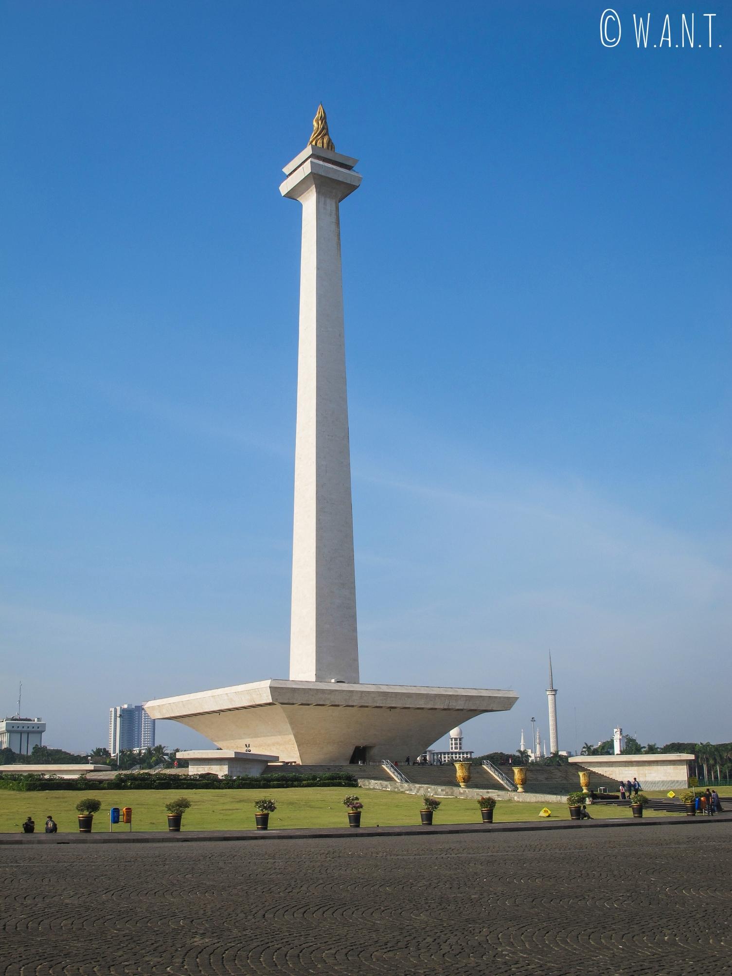 Le Monas est situé sur la place Merdeka à Jakarta