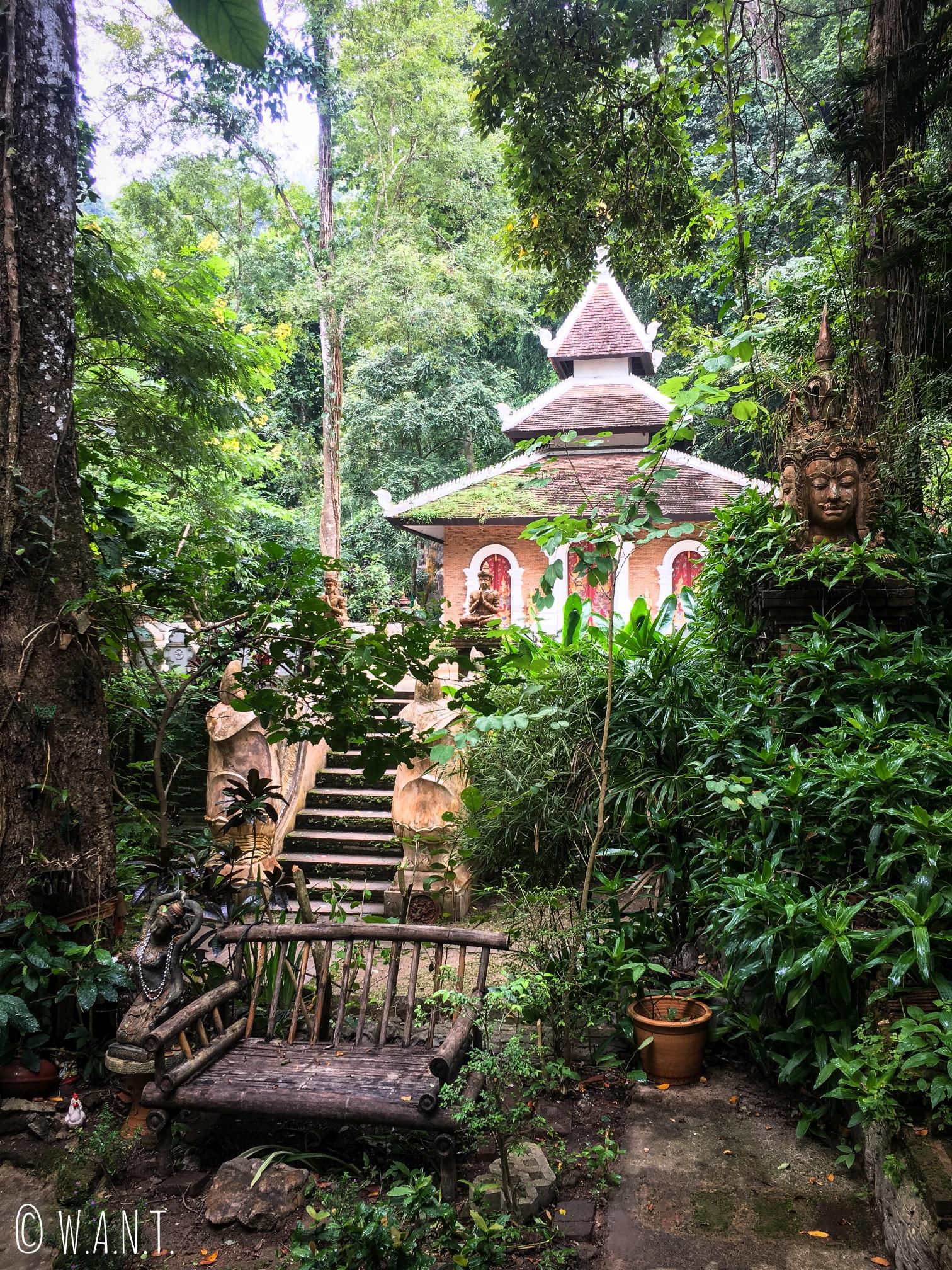 Le Wat Pha Lad se rejoint à pied via le Pilgrim trail de Chiang Mai