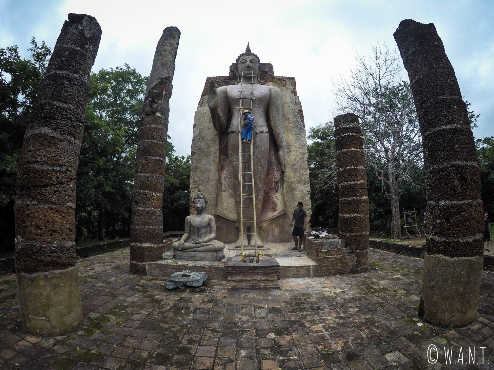 Le Wat Saphan Hin est le temple principal de la zone ouest de Sukhothai