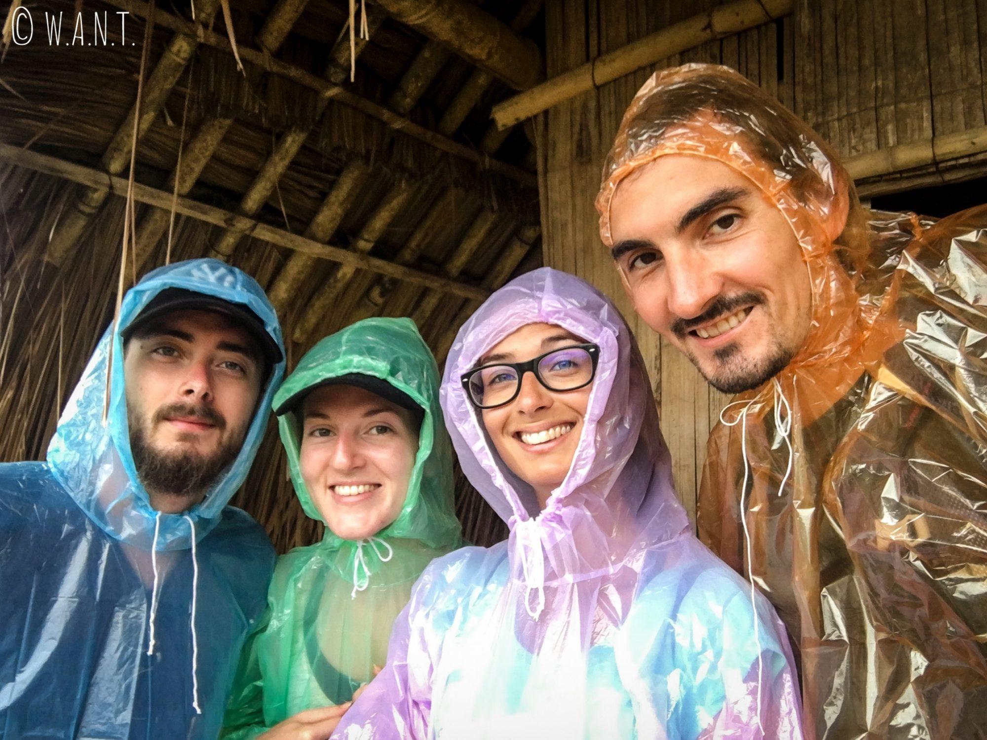 Nous sommes prêts à affronter la pluie pendant notre trek à Chiang Rai