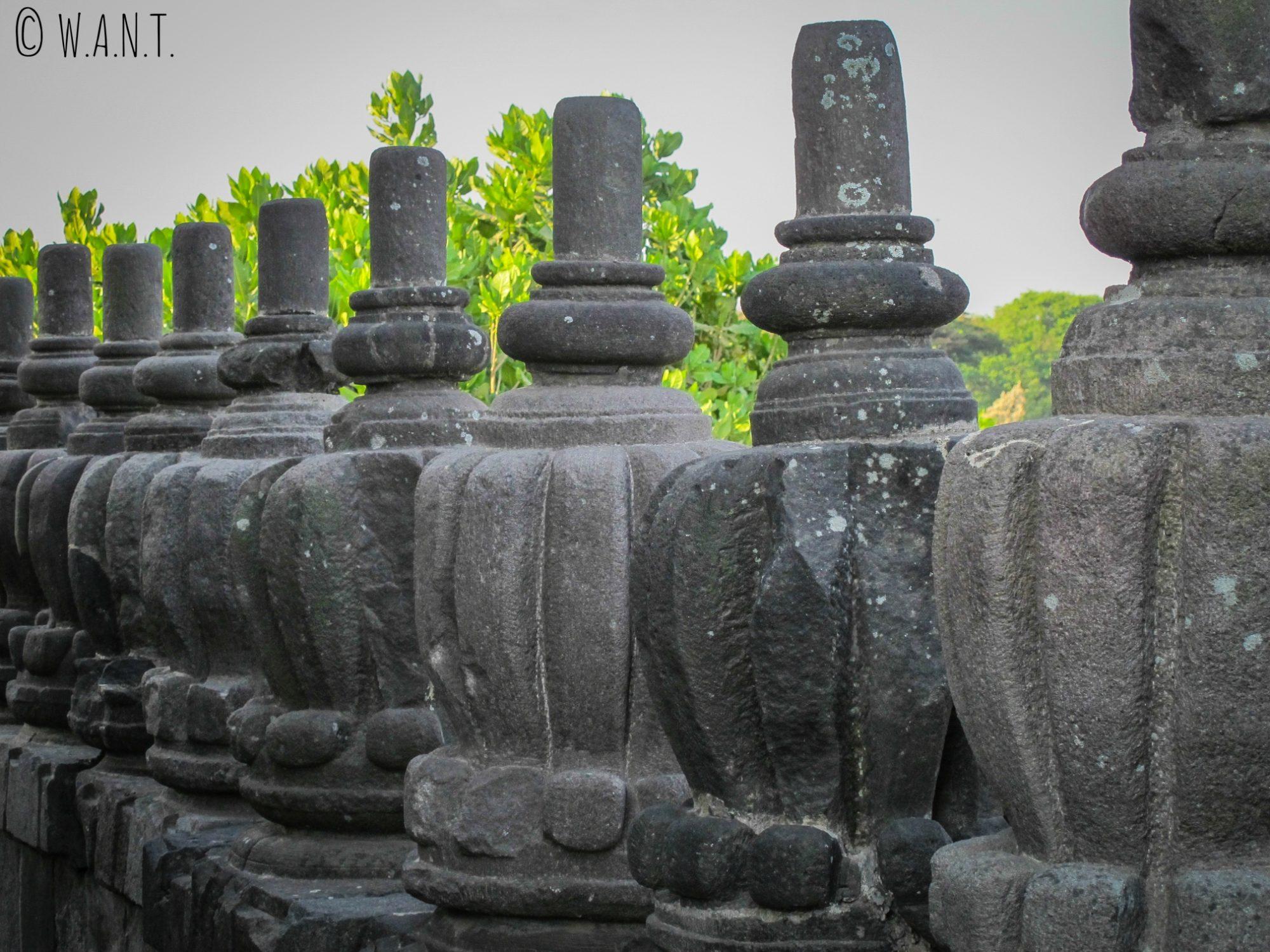Ornements d'un des temples de Prambanan