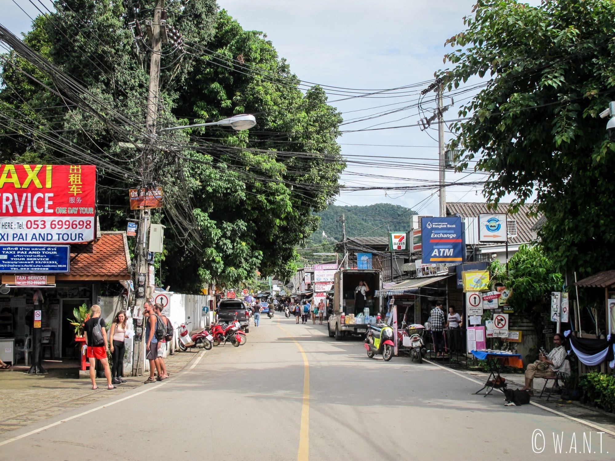 Rue de la gare routière de Pai