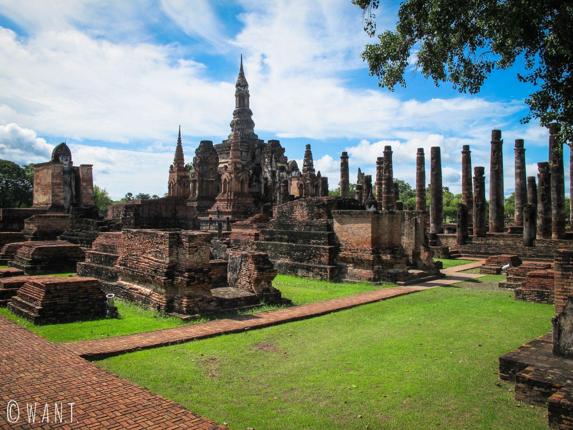 Ruines du Wat Mahathat de Sukhothai