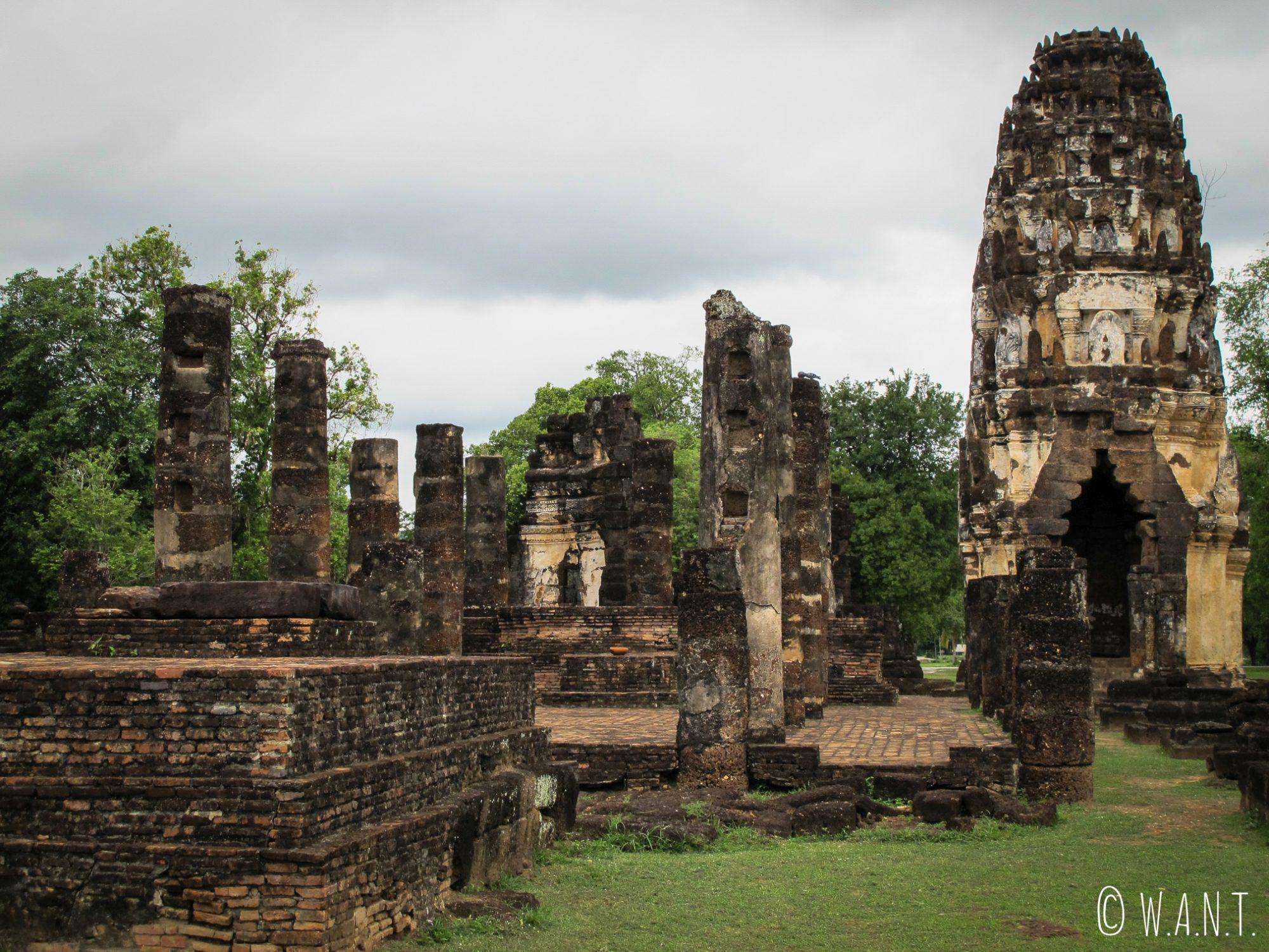 Ruines du Wat Phra Phai Luang, temple principal de la zone nord de Sukhothai