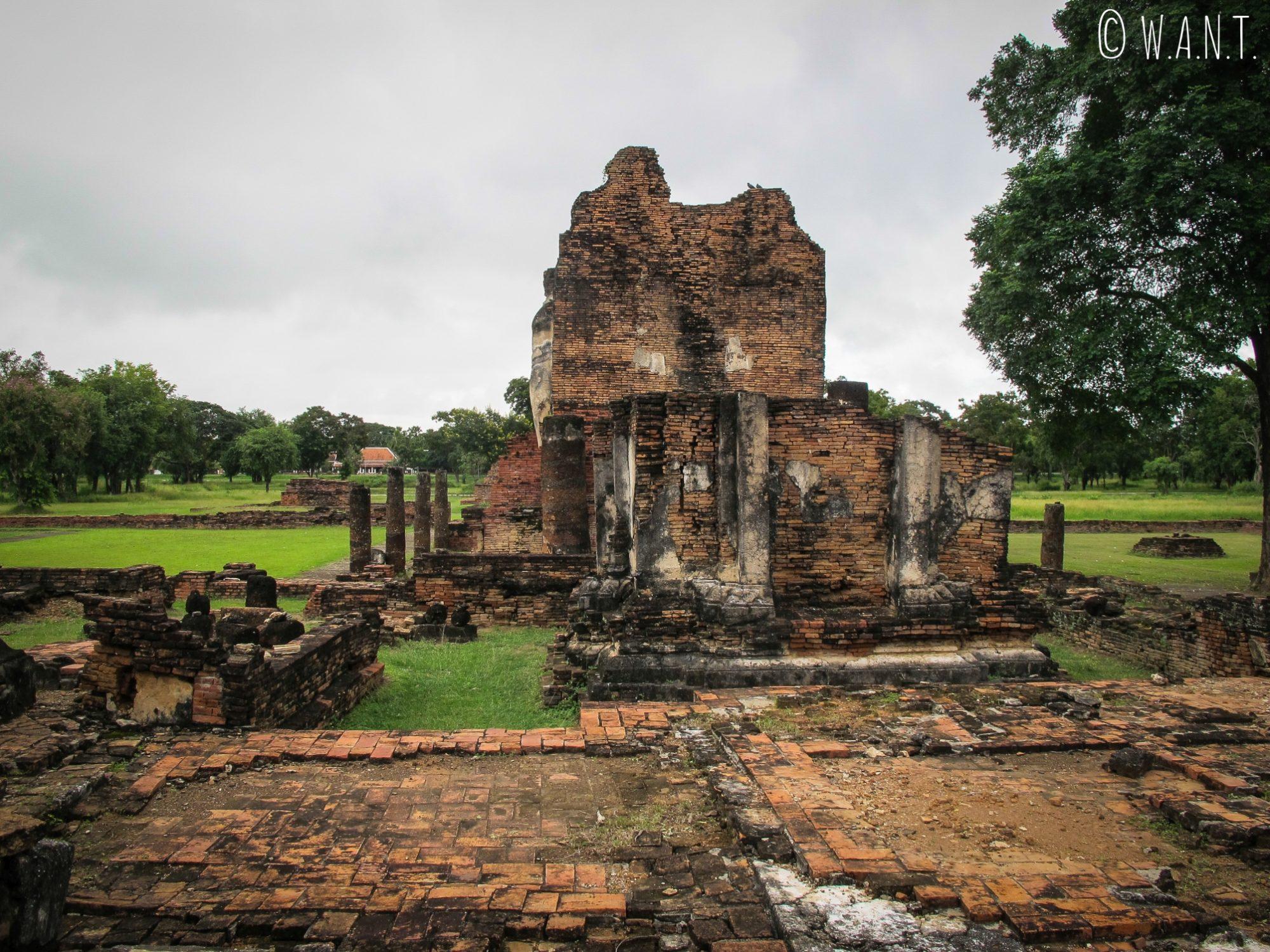 Ruines du temple principal de la zone nord, le Wat Phra Phai Luang