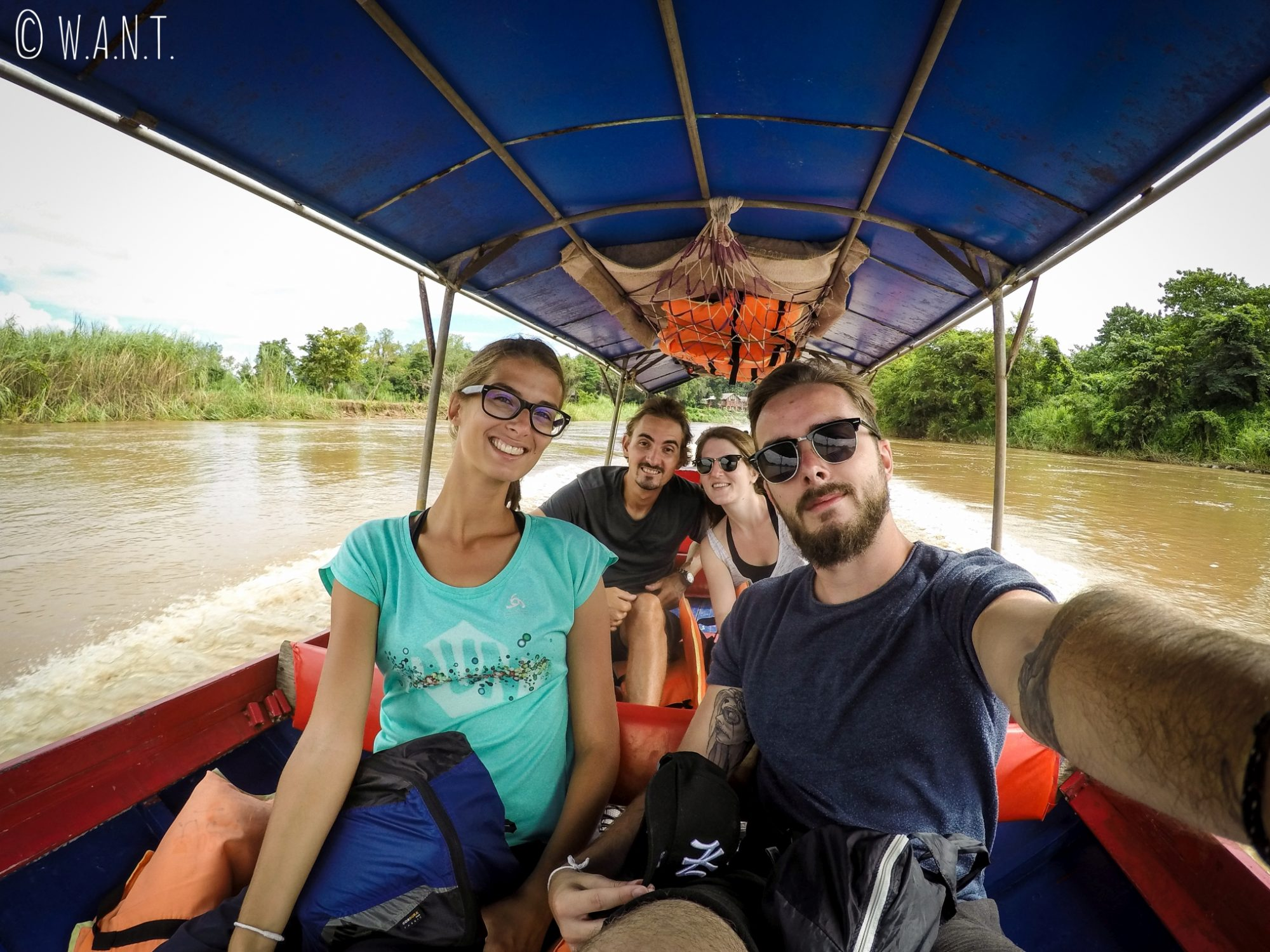 Selfie dans un long boat sur la Kok river de Chiang Rai