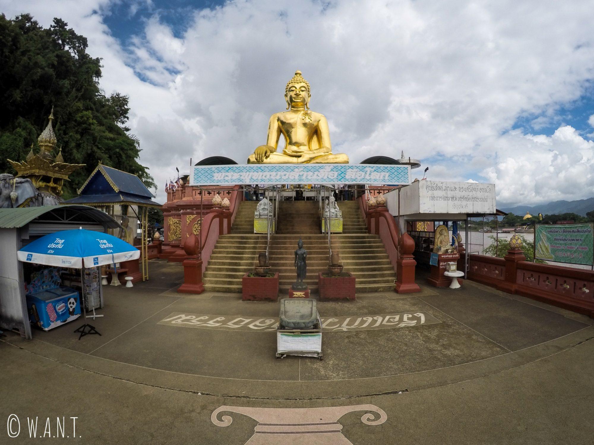 Statue de Bouddha à Sob Ruak, dans le Triangle d'or