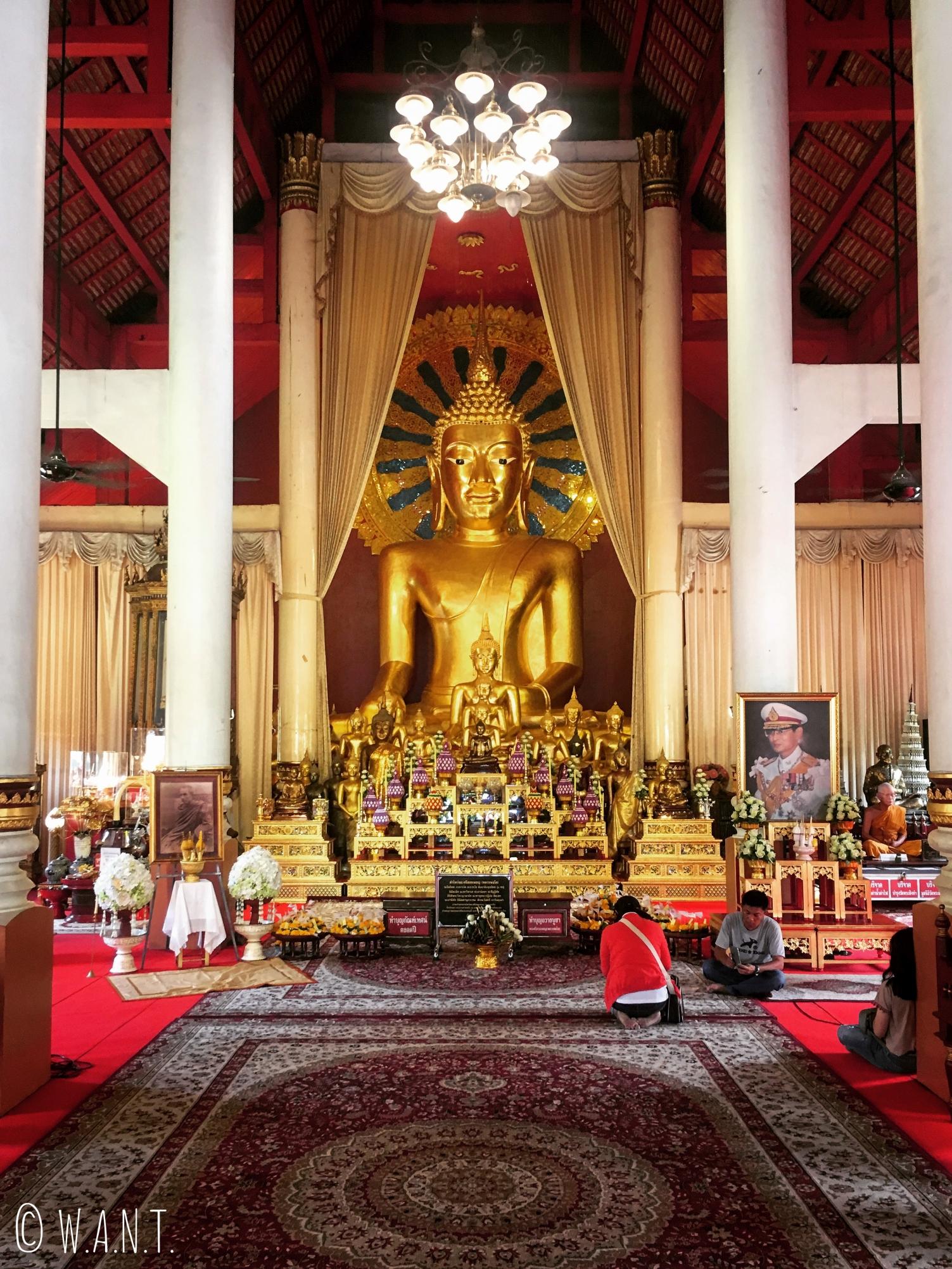 Statue de Bouddha au Wat Phra Singh de Chiang Mai