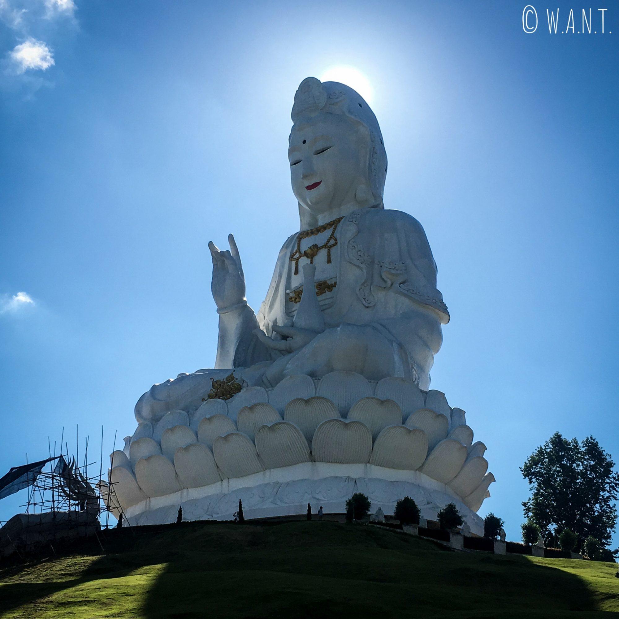 Statue de Lady Bouddha à quelques kilomètres de Chiang Rai
