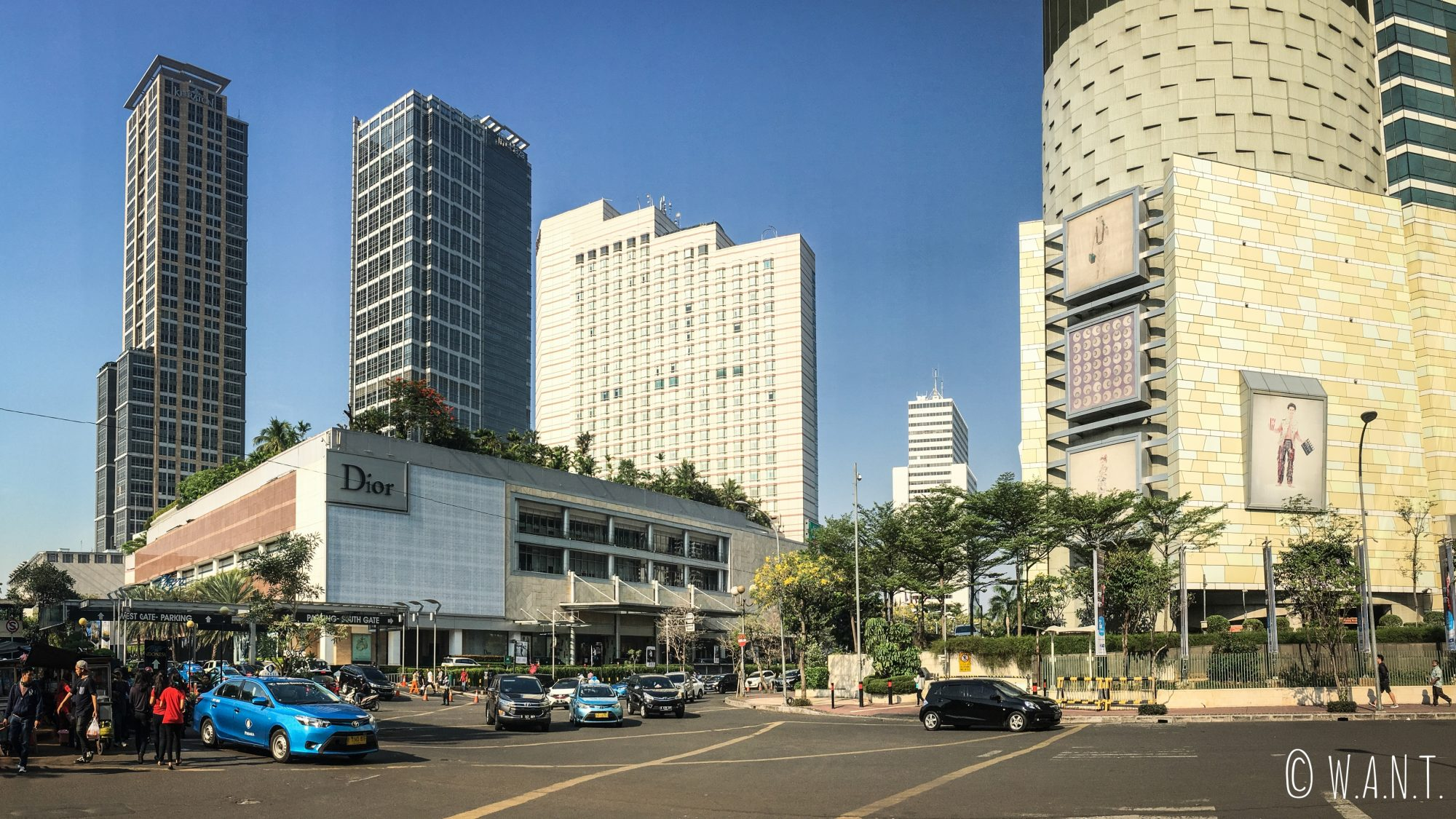 Vue au pied du Grand Mall Indonesia de Jakarta