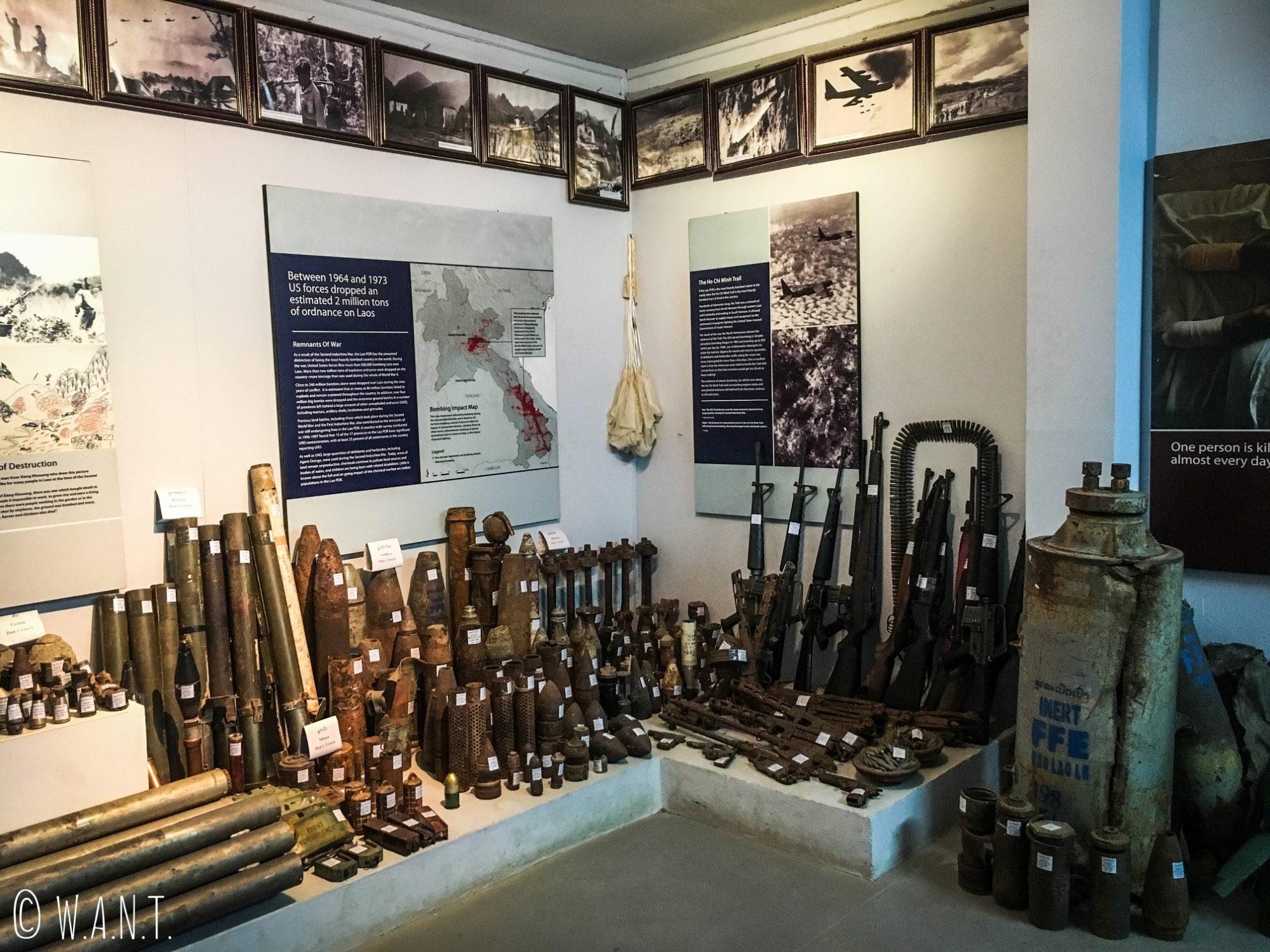 Exposition d'armes et de munitions au UXO Lao Centre de Luang Prabang