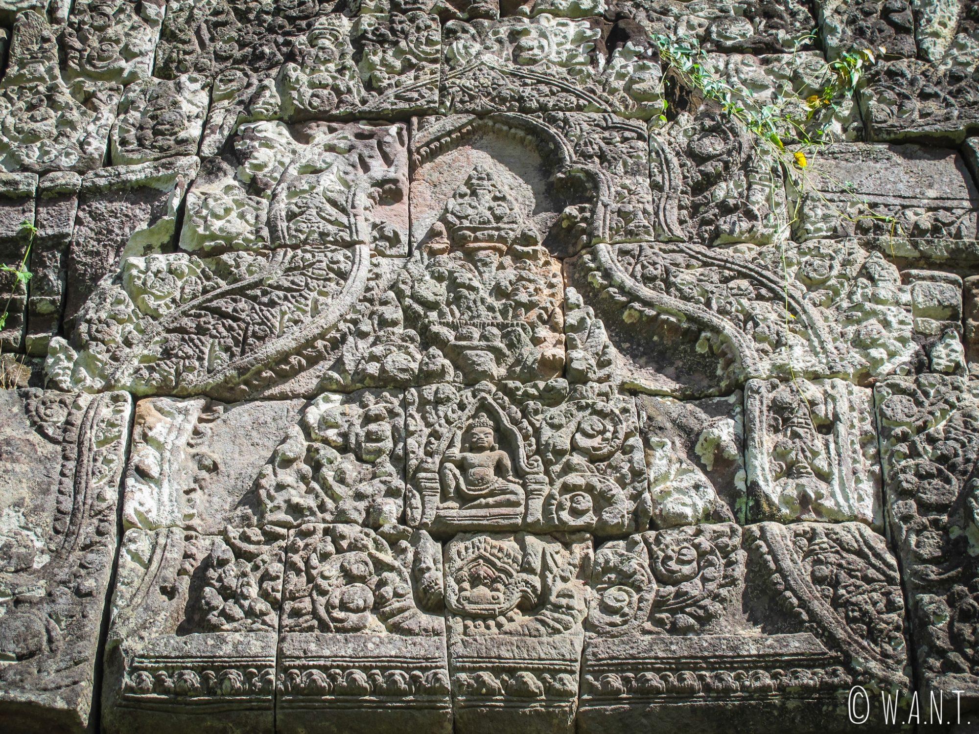 Fronton bien conservé de l'un des deux palais du site Unesco Vat Phou