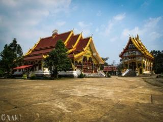 Il est intéressant de s'arrêter quelques minutes au temple de Lak Sao sur la boucle de Thakhek