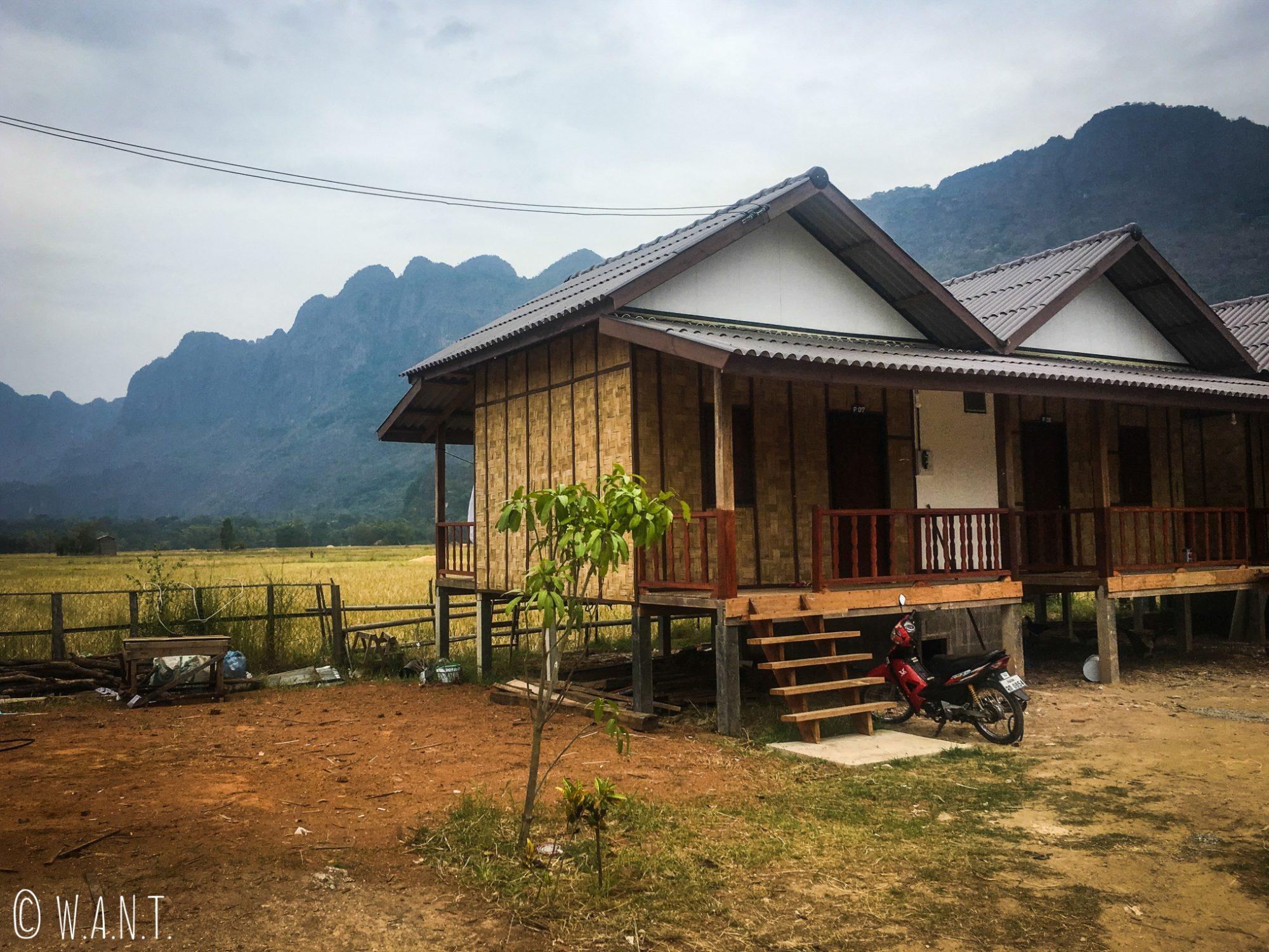Notre bungalow à la Khounmee guesthouse à Konglor