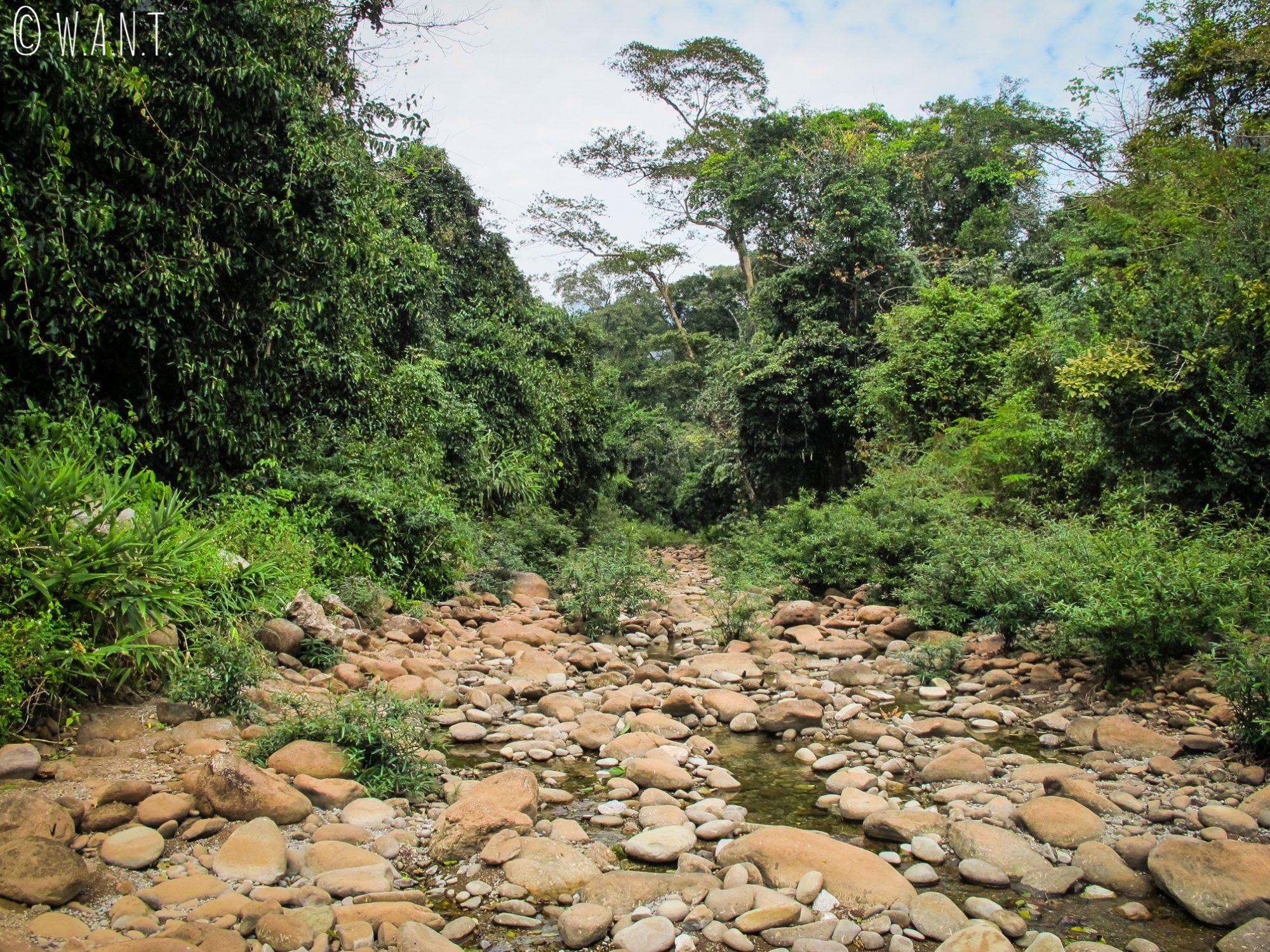 Rivière asséchée sur la boucle de Thakhek