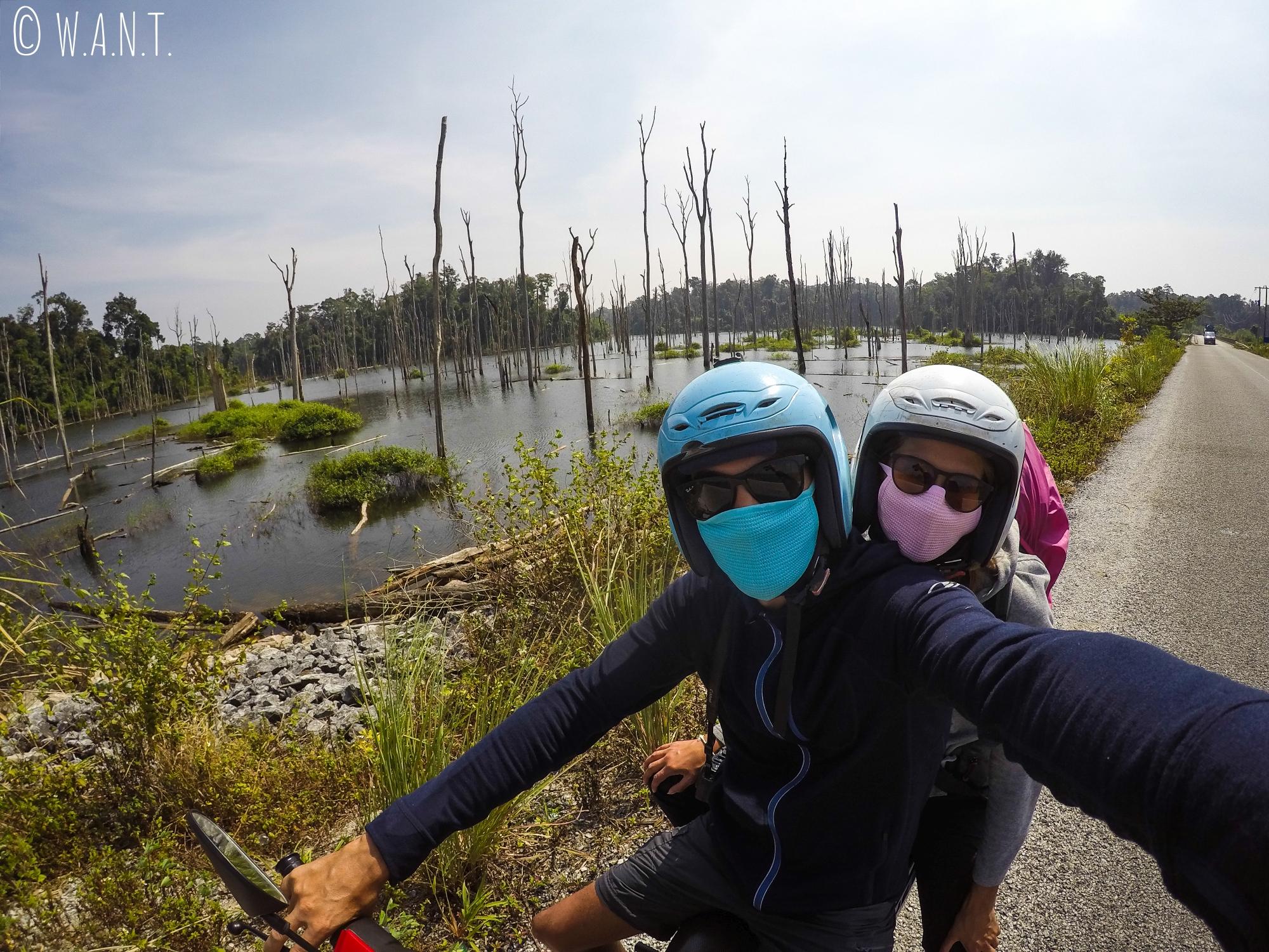 Selfie devant le réservoir de la rivière Nam Theun