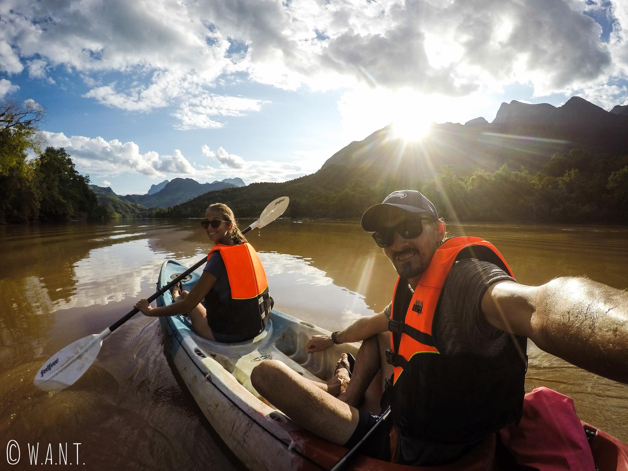 Selfie kayak sur la Nam Ou entre Muang Ngoi et Nong Khiaw