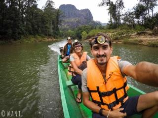 Selfie sur notre barque nous permettant de visiter la grotte de Konglor