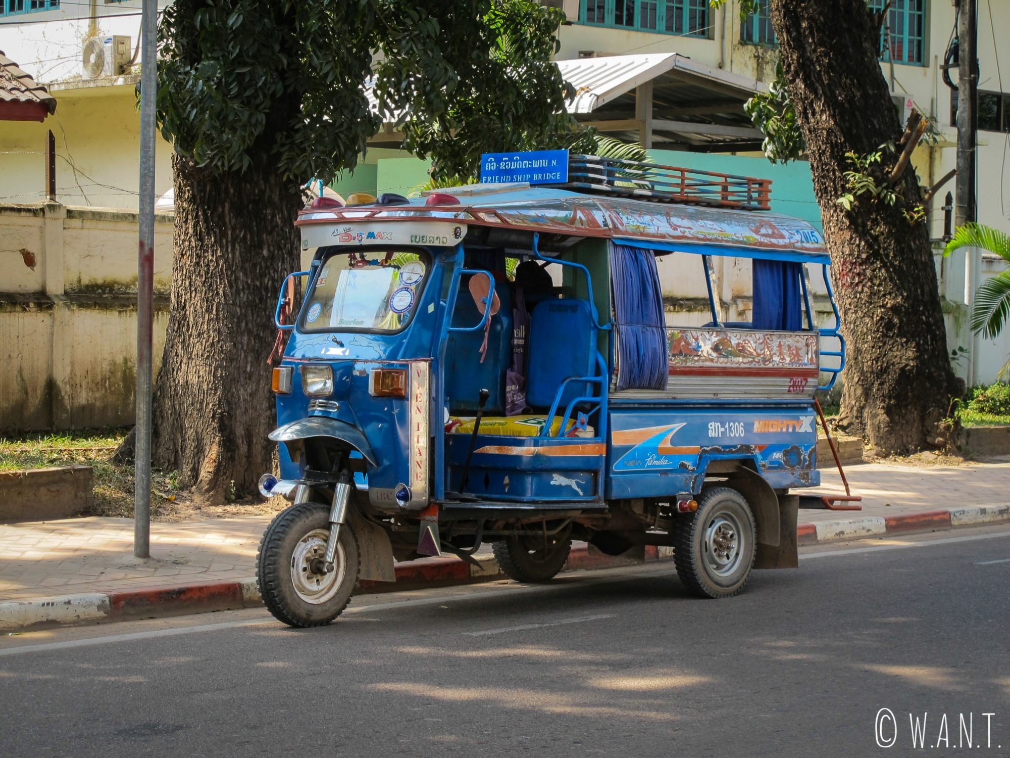 Songthaew dans les rues de Vientiane